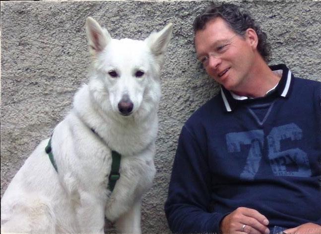 Berthold Heckmann von BFH Physio mit Hund Josie